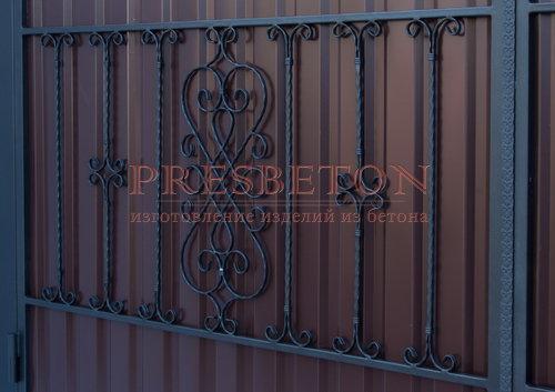 Ворота распашные с ковкой м9