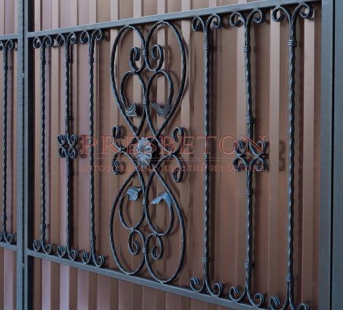 Ворота распашные с ковкой м12