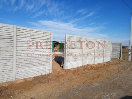 Забор под ключ на 4 плиты доска внахлест
