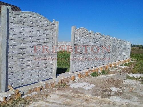 Забор под ключ на 4 плиты плетень с ковкой